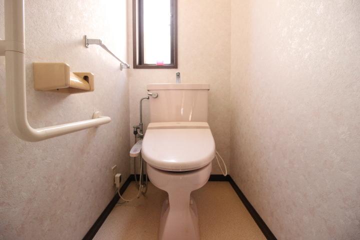 トイレは1階2階にありますので、ご家族が多くても安心。
