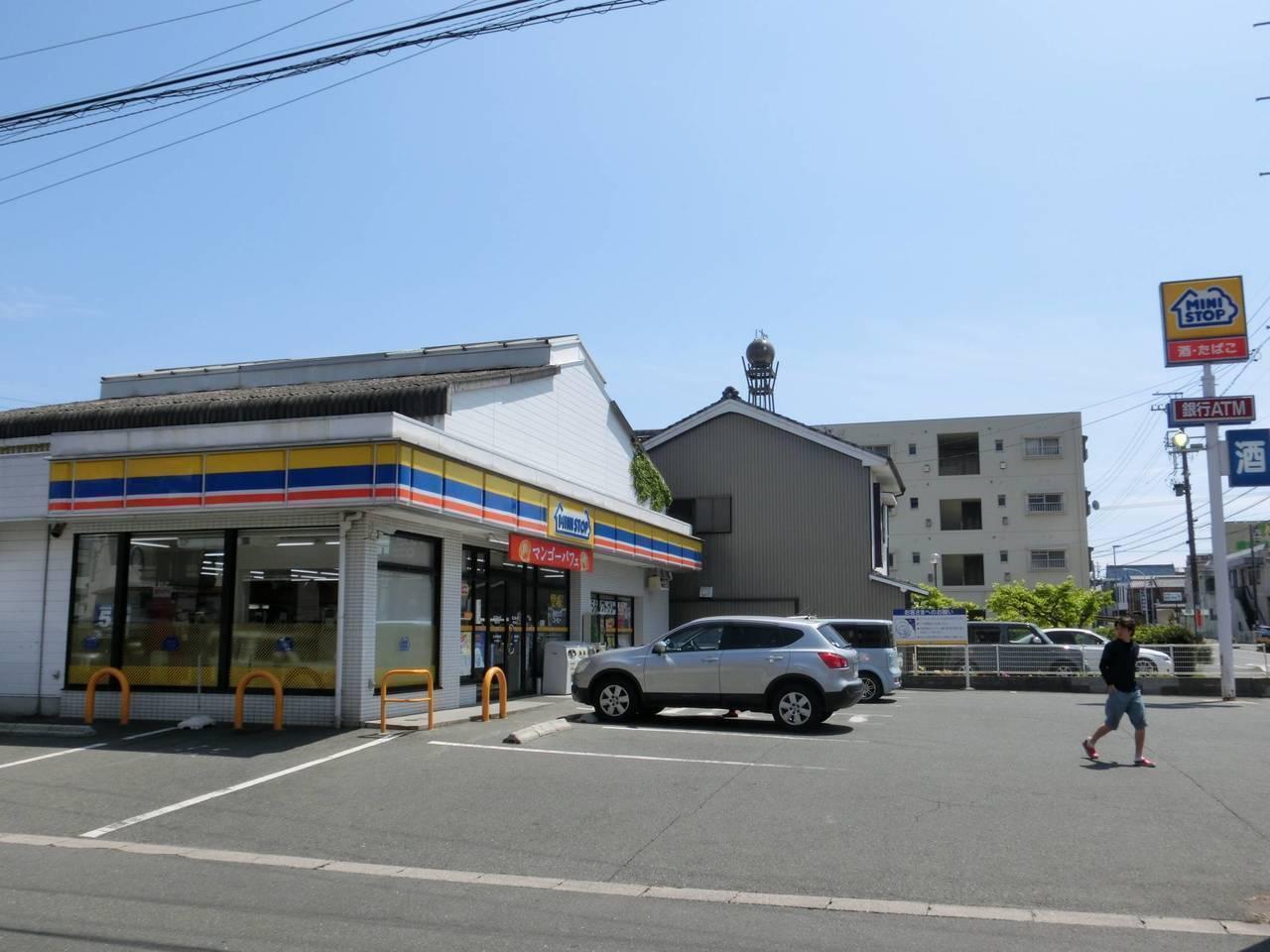 【コンビニ】ミニストップ鴨田町店まで徒歩6分(403m)