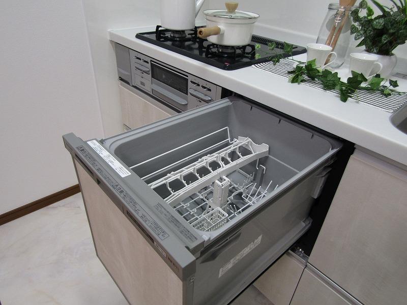 食器洗浄機つき♪忙しいお母さんにバッチリです♪