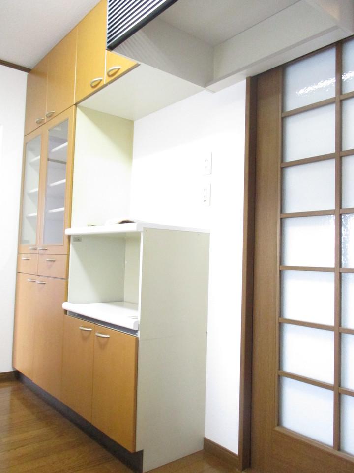 キッチン部分の収納スペースです。