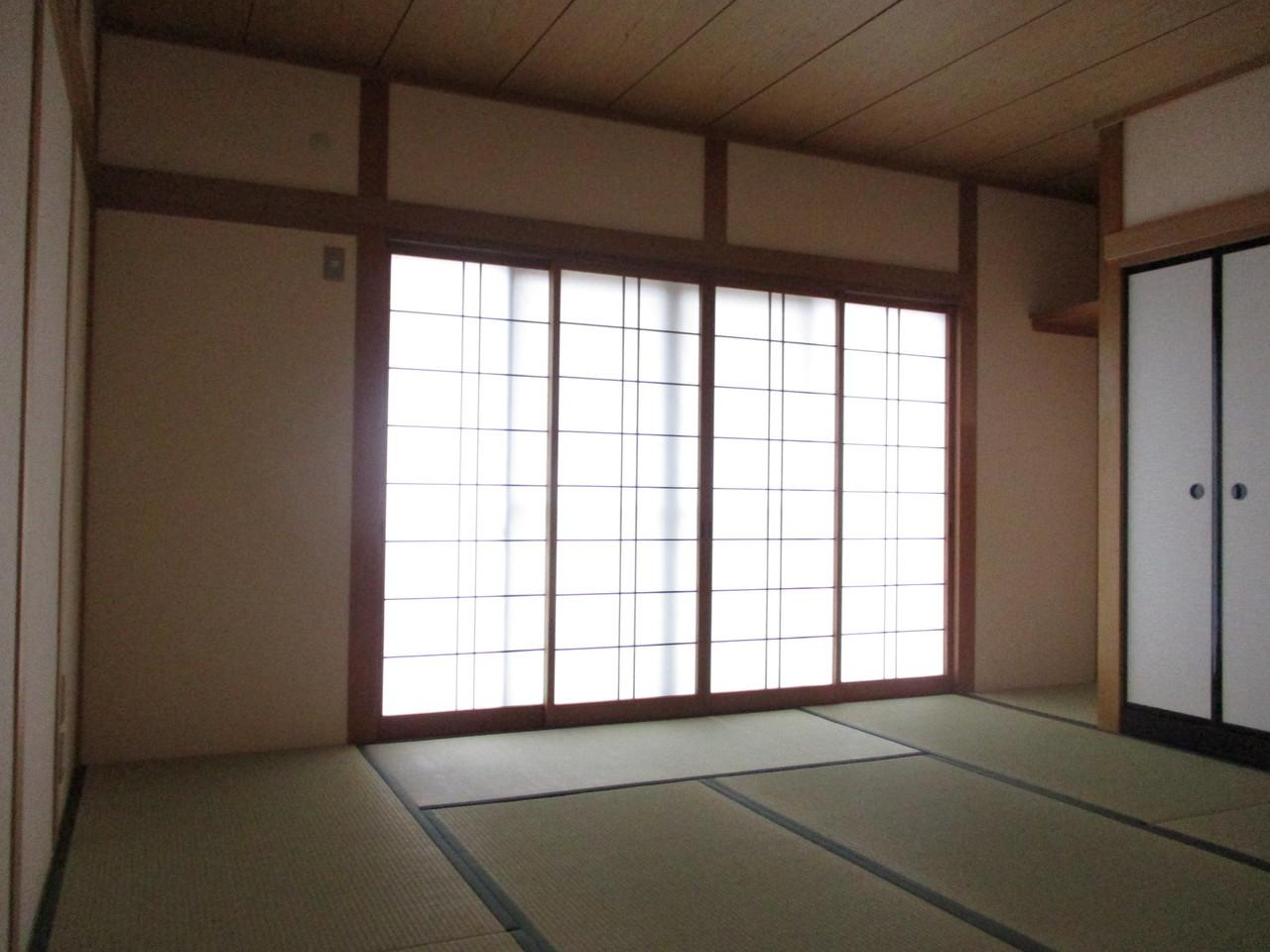1階部分の和室になります。