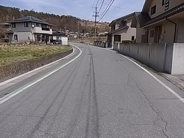 6m以上の前面道路なのに車通りも少なく静かです。