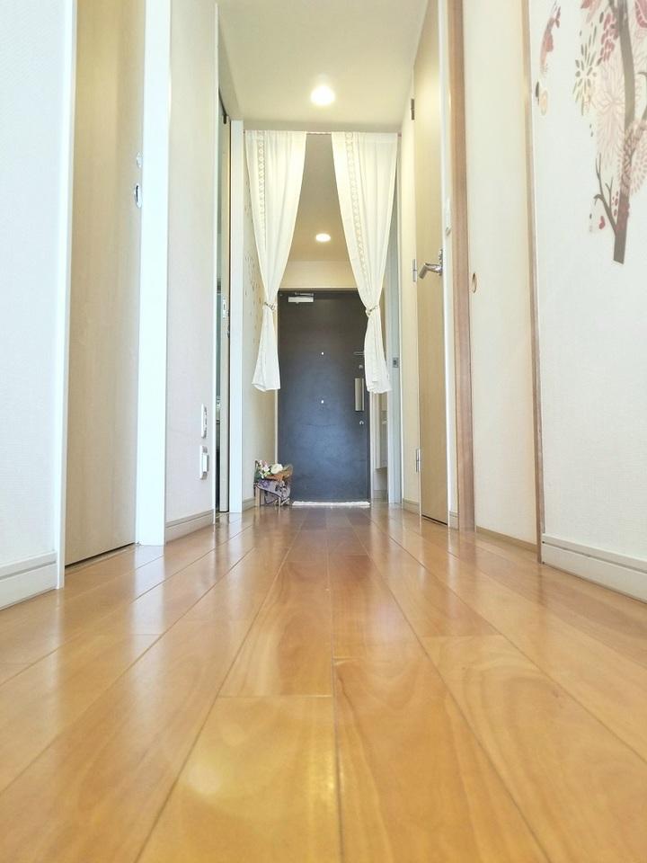 見通しの良い廊下