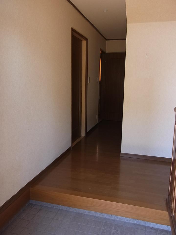玄関から廊下、階段はメーターモジュール使用の広々設計