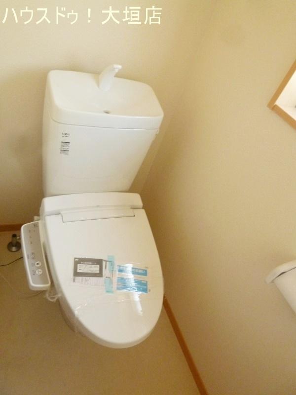 トイレは2階にもあり朝や就寝時に便利です。