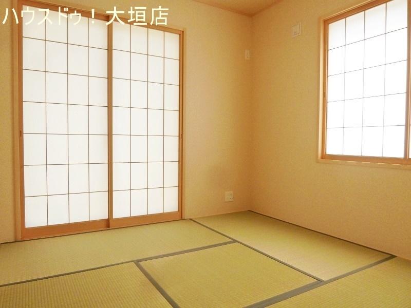 リビングに隣接された和室。お子様の遊びのスペースや寝室など家族の成長に合わせてお使い頂けます。