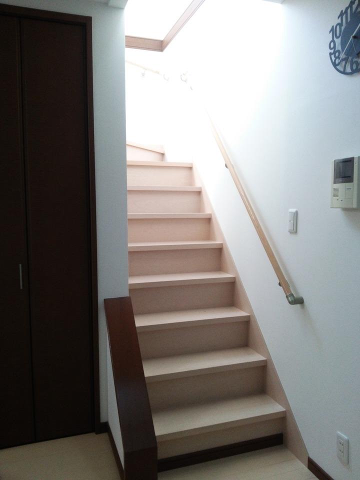 毎日家族と触れ合えるリビング階段♪