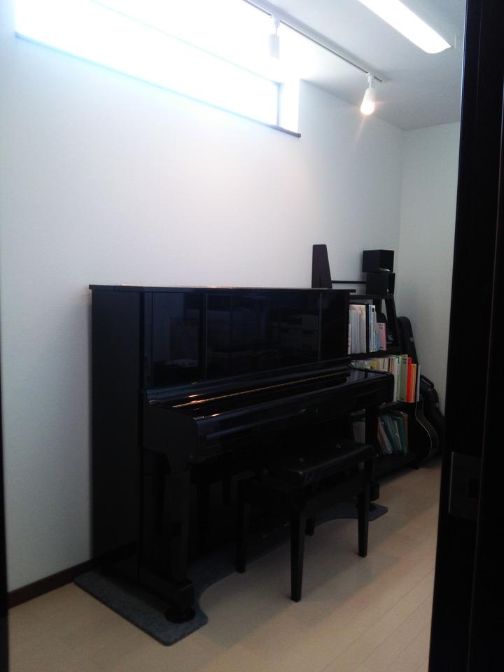 1階にミュージックルーム完備♪ ご近所様に気兼ねなく、音楽演奏が楽しめます♪