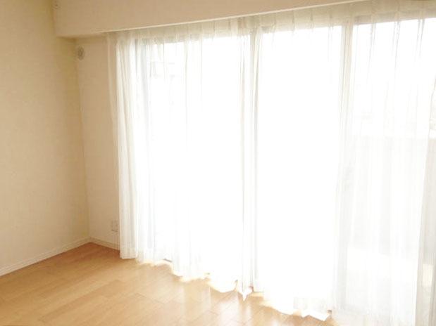明るい洋室♪小倉南区沼本町【ペット相談可能】の中古マンションオークランド沼本町♪全居室収納ありでウォークインクローゼット・もあります♪