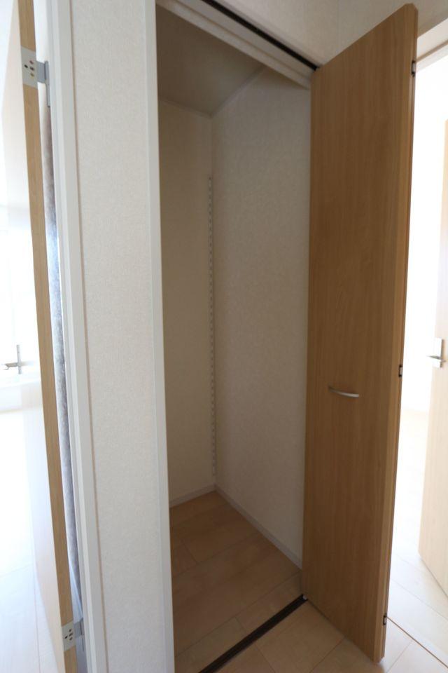 2階廊下にもクローゼットを配置。