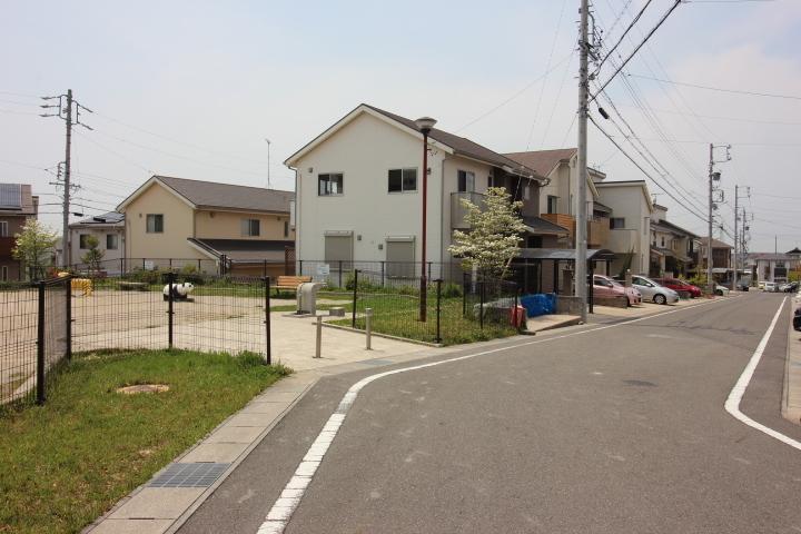 都市ガス・上水道・下水道 完備 全居室収納あり