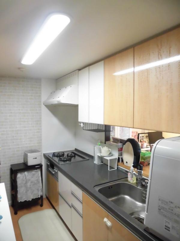 家事動線に配慮された、使いやすいキッチンです。