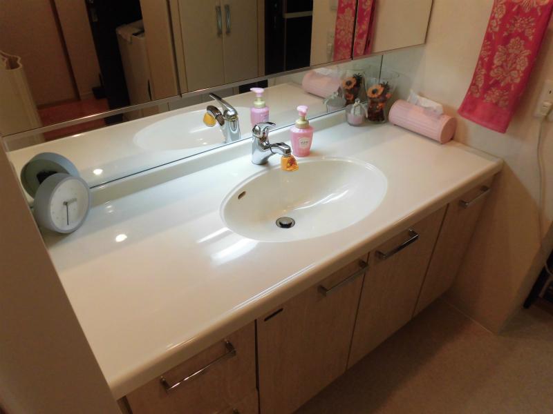 ワイドタイプの洗面台(鏡もワイドです)