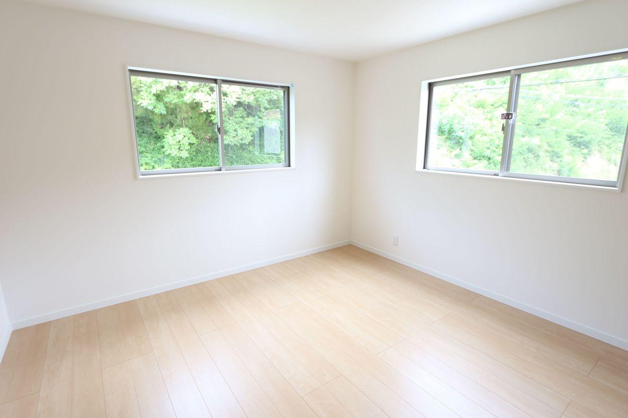 8帖洋室は主寝室にぴったりです。