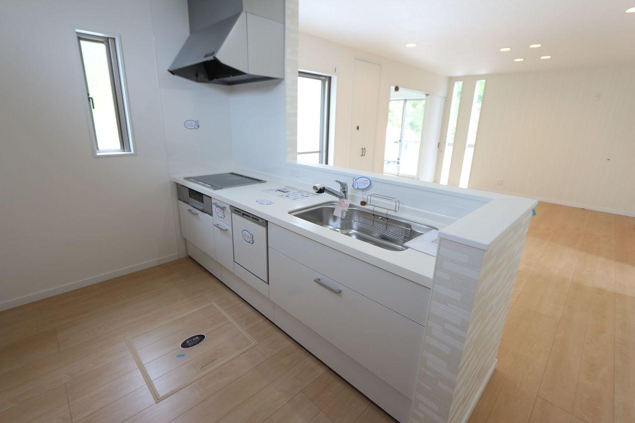 食器洗浄乾燥機を設置。 家事の負担を軽減します。
