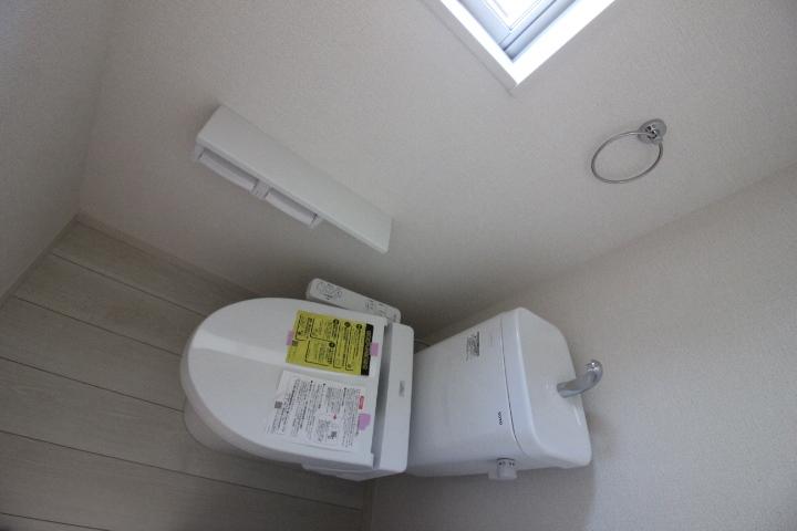 トイレ・温水洗浄便座 リナージュ同仕様写真