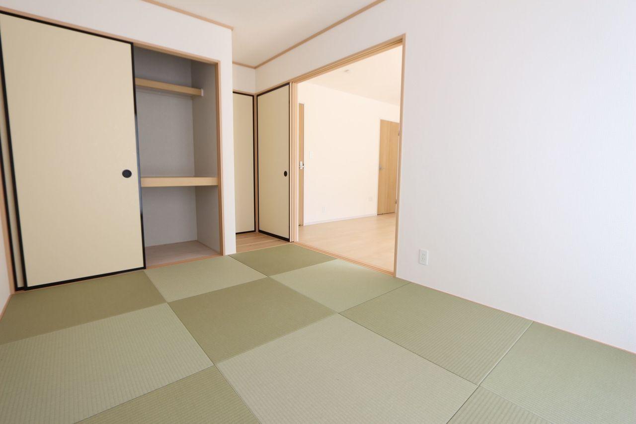 押入れ付きで寝室や客間として 便利にお使い頂けます。