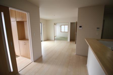☆リビング☆ LDK広々空間  4.5帖の和室と合わせると20帖以上の空間