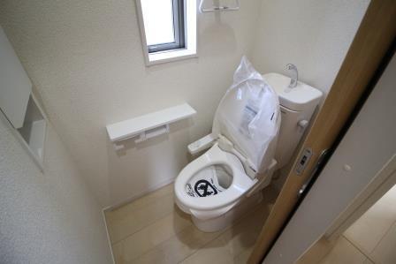 1.2階多機能トイレ付