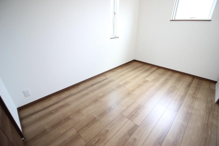 2階5.5畳角部屋
