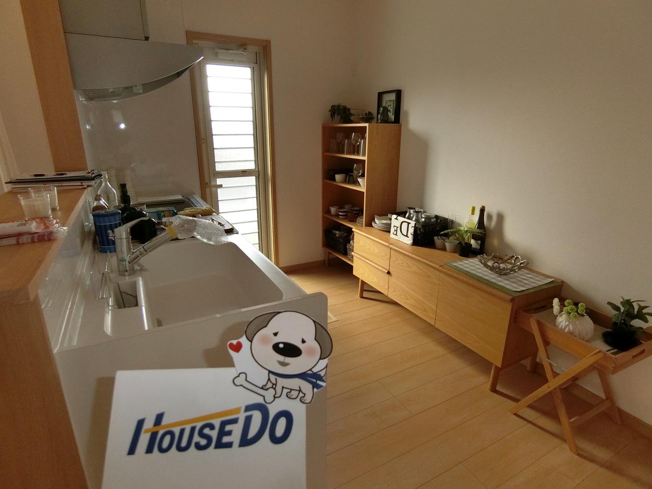 日頃使わない物の収納やストック品や非常食など色んな使い方ができる床下収納も標準装備です。