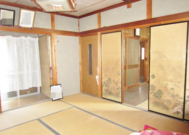昭和46年築母屋 1F和室 仏間、床の間あります。