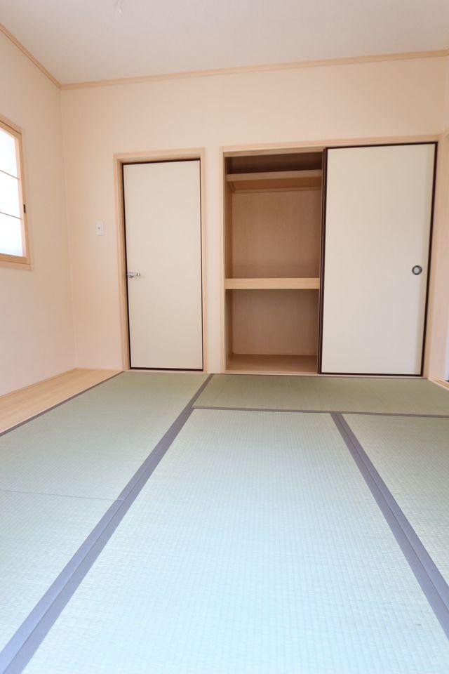 押入れ付きで寝室や客間に ぴったりです。