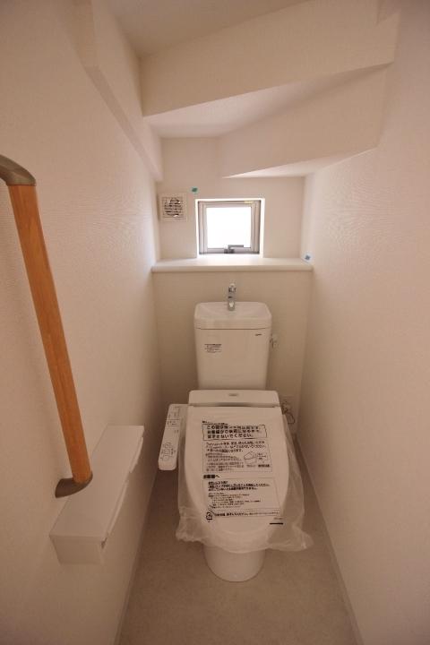 シャワートイレ 温水洗浄便座