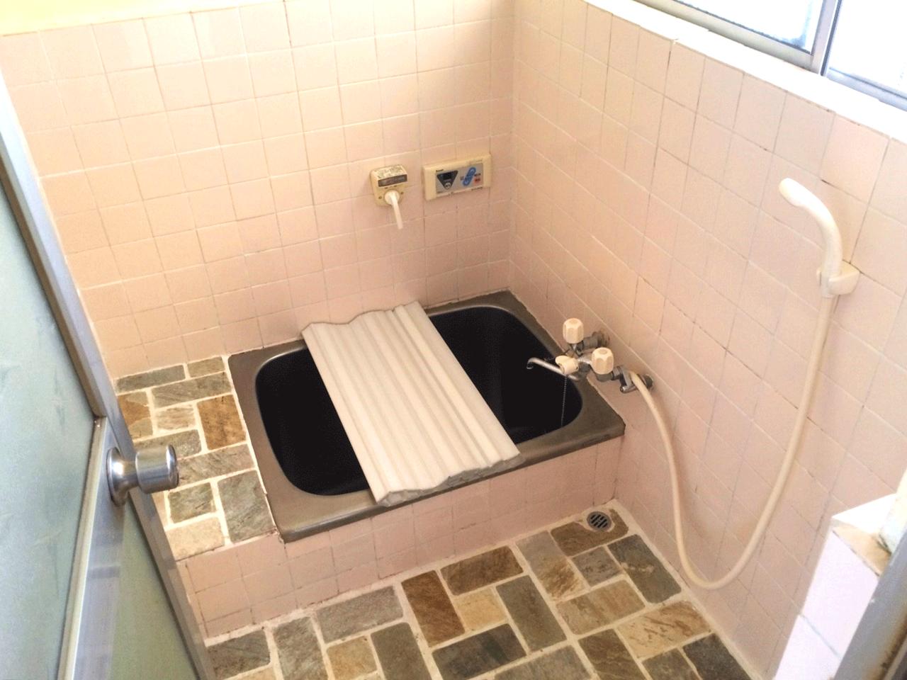 浴室はキレイに使用しています♪リフォームのご相談も承ります♪◆小倉南区北方駐車スペース4台分の戸建て住宅♪
