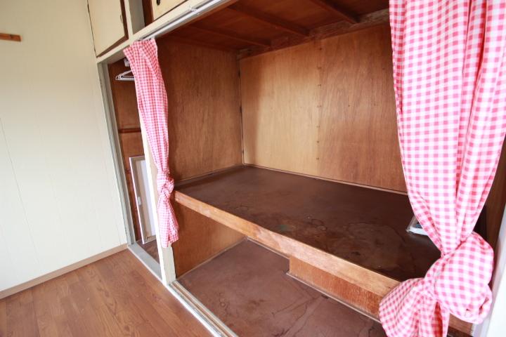 十分な収納スペースがあるので 収納部分もお好きにDIYして過オリジナルなお部屋に 変えてみるのも楽しそうですね