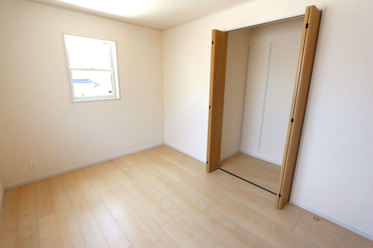 洋室は全てのお部屋にクローゼットを 設置しました。