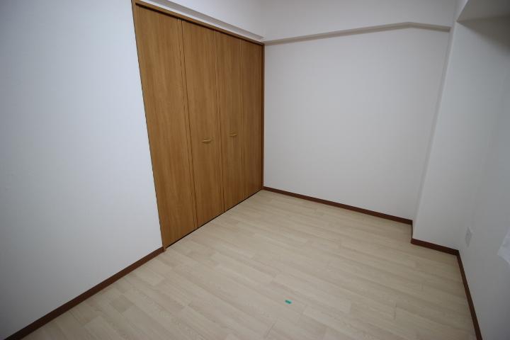 4LDKのマンションなので使い方次第で、書斎室や寝室・お子様のお部屋など使い分けも可能です!