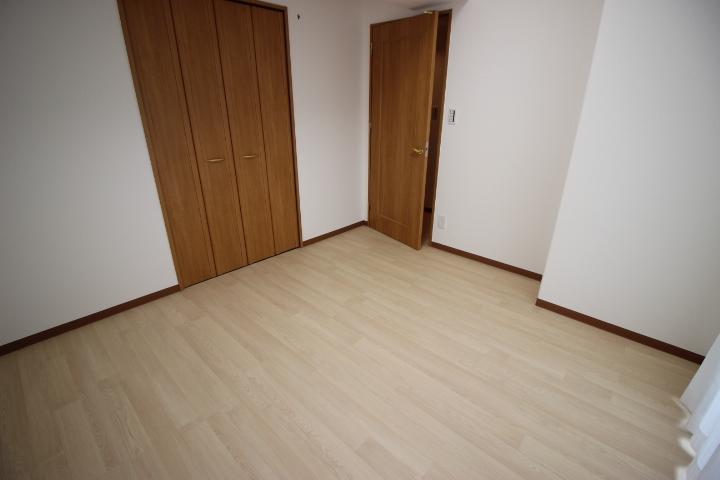 全居室に収納があるので、用途に分けて使い分けができます。