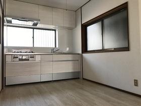 【外観写真】 DKリフォーム済み。キッチン新調。