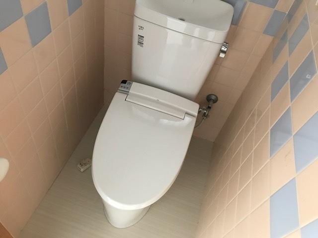 トイレ新調しています。