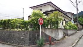 【外観写真】 閑静な住宅街の3LDK