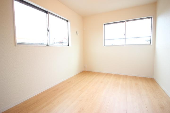 2階 6畳洋室 使い勝手の良い広さの居室は子供部屋にしてもいいですね