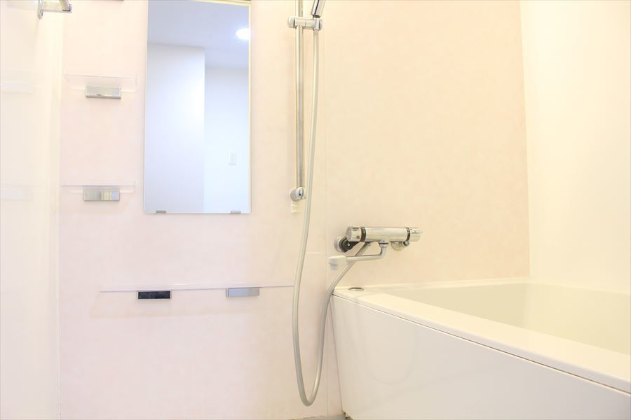 清潔感のある浴室。毎日のお仕事や学校の疲れをゆっくり癒してください!