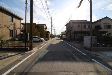 ☆延長敷地部分・駐車3台可能☆
