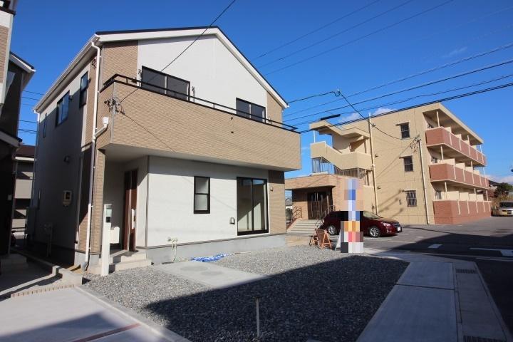 制震構造(QUIEクワイエ)地震の揺れを吸収する家。 10月8日写真更新しました。
