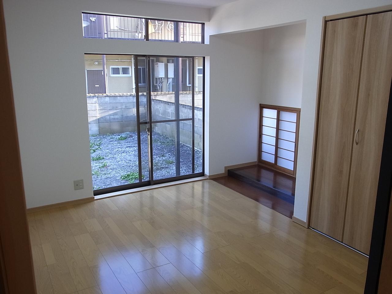 和室をリフォームして洋室に変わり、仏間だったスペースもインテリア次第でカフェのようなオシャレな空間にできそうですね!