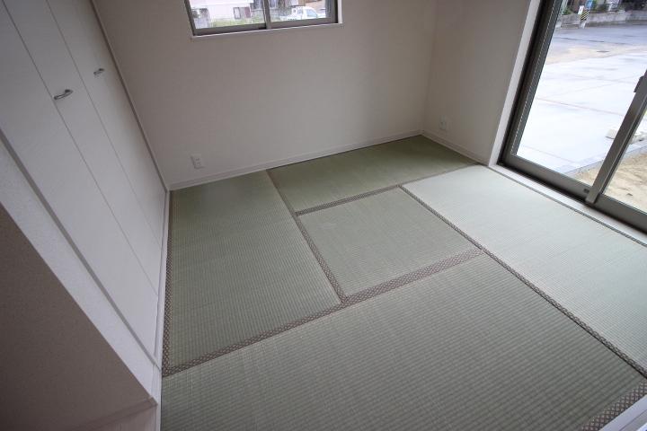 陽光差し込む明るい和室は、マルチに使用できます