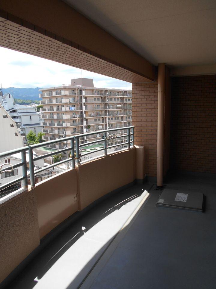 7階部分で視界をさえぎる建物も無く 開放的な空間です。