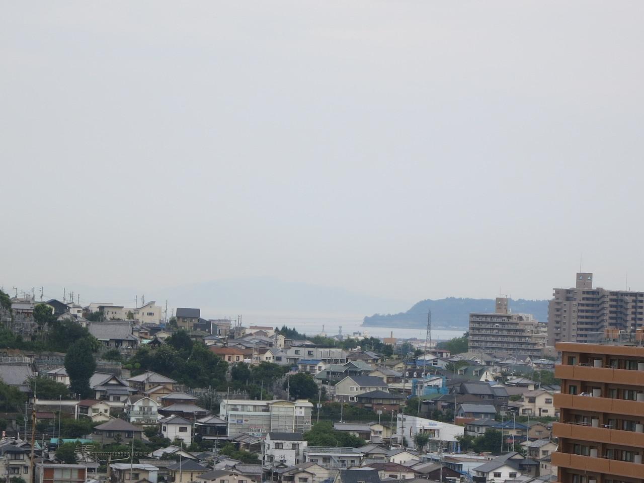 三津の花火も見れます(バルコニーより)