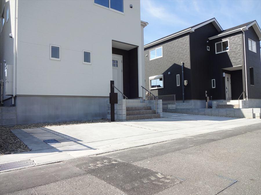 2号棟北西。二階は全室収納付・二面採光です。