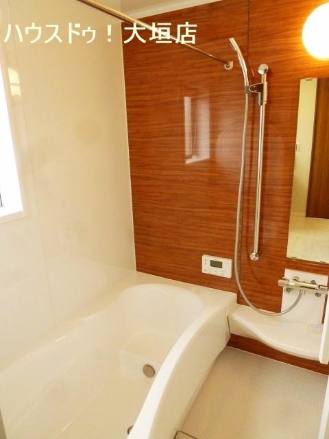 浴室乾燥機付きで雨の日の洗濯も安心ですね。