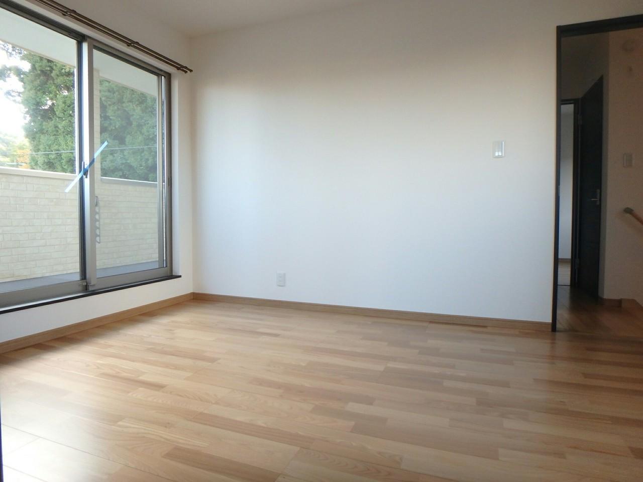 2階洋室にはそれぞれ収納がついています。