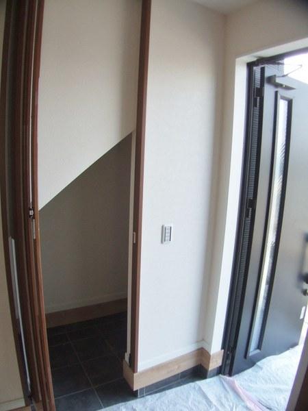 階段下の土間収納 奥行あります