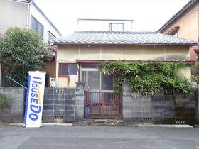 【外観写真】 緑豊かな住宅街で、名鉄勝幡駅まで徒歩9分と通勤・通学に便利です。