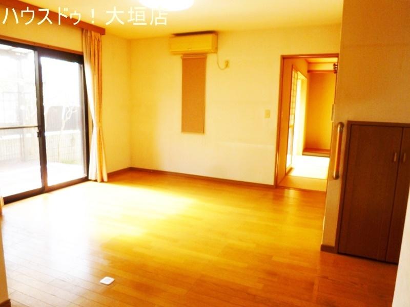 一階には和室が2間あり寝室として客間としてお使い頂けます。